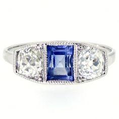 Nieuw bij Spiegelgracht Juweliers: Witgouden Art Deco ring met saffier en diamant http://www.spiegelgrachtjuweliers.nl/product/ringen/witgouden-art-deco-ring-met-saffier-en-diamant