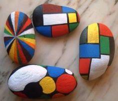 piedra natural decorada piedra y acrílicos manual
