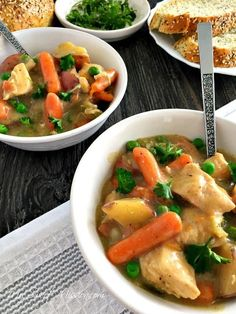 This savory Hearty Slow Cooker Chicken Stew is low in calories, carbs, and fat but high in protein to satisfy your hunger. It has tender chunks of chicken and vegetables in a thick broth for a delicious homestyle meal! Slow Cooker Chicken Stew, Slow Cooker Bbq Ribs, Stew Chicken Recipe, Slow Cooker Times, Slow Cooker Recipes, Crockpot Recipes, Low Fat Soups, Low Fat Chicken Recipes, Chicken And Vegetables