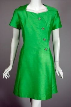 Bright green mod 1960s cocktail dress DR880