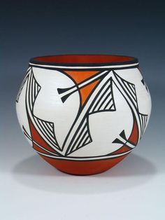 Most up-to-date Absolutely Free coil pottery bowls Tips Acoma Pueblo Hand aufgerollte Keramikschale Pottery Bowls, Ceramic Pottery, Pottery Art, Coiled Pottery, Slab Pottery, Thrown Pottery, Pottery Workshop, Pottery Studio, Ceramic Painting