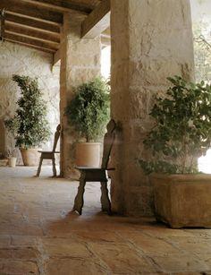 "Plein de belles images et d'inspiration.  ""Beth Webb is an Interior Designer with a penchant for great art, beautiful propo..."