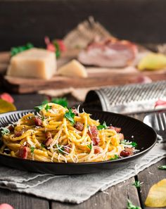Spaghetti with bacon and creamy pumpkin sauce