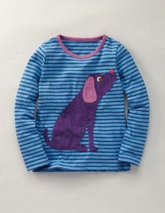Un perro en la camiseta... aplicación patchwork...