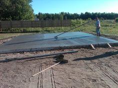 Pouring a concrete slab Concrete Pad, Concrete Projects, Cement, Diy Projects, Morton Building, Building A House, Diy Shed Plans, Home Repair, Picnic Table