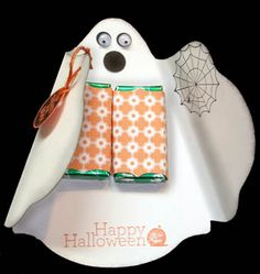 Stampin' Up! ghost treat holder by stampwithbernie – Cards and Paper Crafts at S… Stampin' Up! ghost treat holder by … Halloween Treat Holders, Halloween Favors, Halloween Treat Bags, Halloween Tags, Halloween Goodies, Holidays Halloween, Halloween Themes, Halloween Party, Halloween Paper Crafts