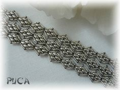 Bracelet by Puca after pattern by Cynthia Newcomer Daniel (link to tutorial in blog post)   |  superduo twin beads