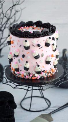 Dark Chocolate Cakes, Pumpkin Chocolate Chips, Mini Cupcakes, Cupcake Cakes, Fun Cakes, Rainbow Layer Cakes, Foto Pastel, Vanilla Bean Cakes, Dirt Cake
