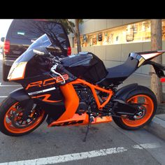 Fell in love with this KTM last time I went to Motoworld! Ktm Street Bike, Street Motorcycles, Ducati Motorcycles, Ktm Rc8, Custom Sport Bikes, Motorcycle Manufacturers, Motor Scooters, Super Bikes, Motorcycle Gear