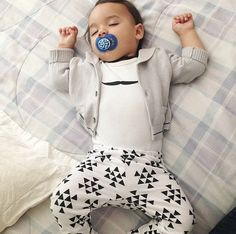 Black and White Triangle Baby Leggings Toddler Leggings Boy Leggings Unisex leggings Girl or Boy Baby Pants Toddler Pants Triangle Leggings