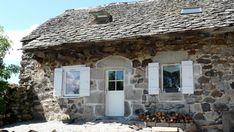 Kis falusi parasztház Vidéki ház, Bretagne     Kis falusi ház        Rusztikus lakás, fagerendás ház    Kis vidéki ház Gazebo, Outdoor Structures, Cabin, House Styles, Home Decor, Kiosk, Decoration Home, Room Decor, Pavilion