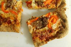 Leftovers Recipes: Roast Beef and Cheddar Pizza | www.realthekitchenandbeyond.com