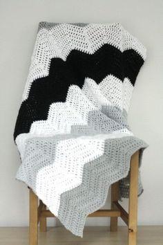 Large Stripe Chevron Blanket Pattern.