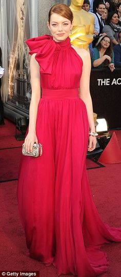 Emma Stone in Giambattista Valli. Love her, love this dress. I want a shorter version of it to wear every day. :)