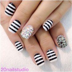 12 Stunning Polishes to Nail Your Summer Manicure Striped Nails, White Nails, Nail Stripes, Rhinestone Nails, Bling Nails, Nail Tutorials, Beauty Tutorials, Beauty Tips, Summer Nail Polish