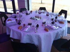 Les jeux de société étaient présents en décor de table, un jeu par table ! #mariage #decoration #anjou #chateau  http://www.chateauchambiers.com/salles-reception-seminaire-angers-loire/evenements-prives/