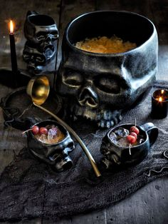 Throw a Halloween bash one scene-stealing statement piece. Here are five high-impact Halloween party decorating ideas that& totally make your celebration. Halloween Dinner, Halloween Table, Halloween Home Decor, Halloween Birthday, Halloween Season, Halloween Skull, Fall Halloween, Happy Halloween, Halloween Decorations