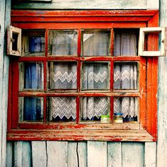 red window. love it!