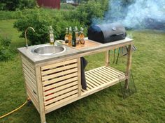 Wonderful DIY Perfect Portable Outdoor Kitchen This DIY portable kitchen is easy to move and store it in your garage or shed to keep it protected from outdoor elements. And you don't need spend much . Outdoor Kitchen Grill, Outdoor Kitchen Design, Outdoor Cooking, Diy Kitchen, Outdoor Kitchens, Outdoor Barbeque, Backyard Kitchen, Kitchen Ideas, Outdoor Stove