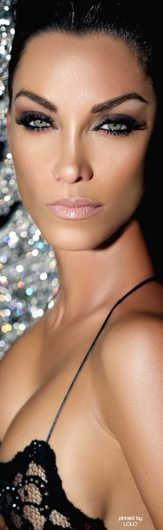 Absolutely stunning. I mean, seriously, stunning. Agatha O | Nicole Murphy