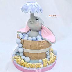Girls First Birthday Cake, Baby Birthday Cakes, Cake Costume, Dumbo Cake, Surprise Cake, Animal Cakes, Dessert Decoration, Disney Cakes, Cake Images