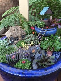 67 Beautiful And Easy Fairy Garden Ideas For Kids That You Must See - Mini Garden Indoor Fairy Gardens, Mini Fairy Garden, Fairy Garden Houses, Miniature Fairy Gardens, Fairy Garden Plants, Herb Garden, Fairy Village, Fairy Crafts, Fairy Garden Accessories