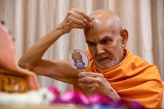 Swamishri applies tilak on his forehead Folded Hands, 30 September, 30th, How To Apply, In This Moment, Mood