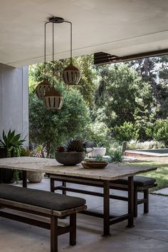 Designs by Sundown is a 2020 Gold List honoree featured in Luxe Interiors + Design. See more of this design professional's projects. Patio Interior, Luxury Interior, Interior And Exterior, Interior Design, Outdoor Dining, Outdoor Spaces, Outdoor Decor, Porches, Rustic Canyon