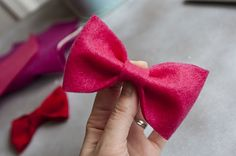 felt bow- made these for Mag's birthday party. SO EASY. Boys wore them as bowties, girls in their hair.