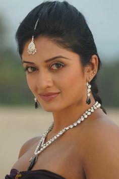 Beautiful Girl Indian, Beautiful Indian Actress, Simply Beautiful, Beautiful People, Indian Celebrities, Beautiful Celebrities, Rose Blood, Indian Navel, Beautiful Bollywood Actress