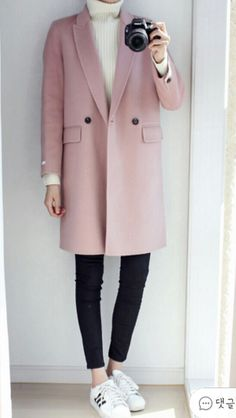 Blush coat, casual style, fall style, weekend look, fall look, winter style, winter outfit, pink coat outfit, sneakers outfit, runners outfit,