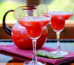 Celebrate Cinco de Mayo with the Perfect Strawberry Margarita (Cocktail or Mocktail)