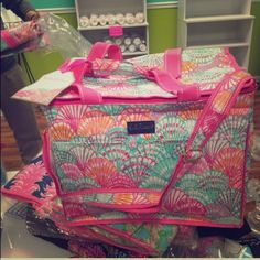 Lilly Pulitzer Cooler See photos Lilly Pulitzer Bags