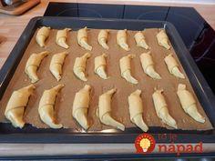 Úžasné tvarohové rožteky ku kávičke, ktoré viete rýchlo pripraviť: Nekysnú a aj na druhý deň chutia ako čerstvo upečené! Hot Dog Buns, Hot Dogs, Hungarian Cake, Pie, Bread, Foods, Cakes, Basket, Torte