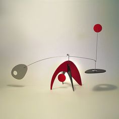 Modern Art Table Top Kinetic Art Sculpture Stabile by Frith Animo Lg Calder… Modern Art Sculpture, Mobile Sculpture, Abstract Sculpture, Arte Madi, Alexander Calder Sculptures, Mobiles Art, Wind Sculptures, Sculpture Projects, Kinetic Art