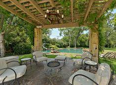 landscaped patios | Patio Cover VinesPatioHarold Leidner Landscape ArchitectsCarrollton ...