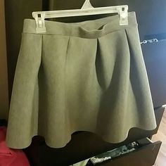 Run 21 skater skirt Gray skirt never been worn.  Great condition still has tags.  Offers always welcomed! Rue 21 Skirts Circle & Skater