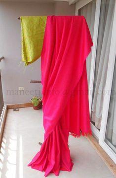 Soft Silk saree with brocade blouse Phulkari Saree, Silk Saree Kanchipuram, Lehenga Saree, Saree Dress, Sari, Simple Sarees, Trendy Sarees, Stylish Sarees, Indian Attire
