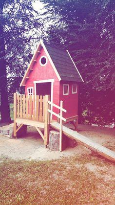 Casetta da esterno in legno per bambini. personalizzabile e su misura. House Styles, Outdoor Decor, Design, Home Decor, Decoration Home, Room Decor, Interior Decorating
