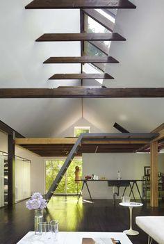 virsgaisma |  dzīvojamā istaba un plašums | redzmā jumta konstrukcija | nelielais mezanins |  garrison res ~ janson goldstein llp
