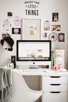 Lovely teen desk (via Bloglovin.com )