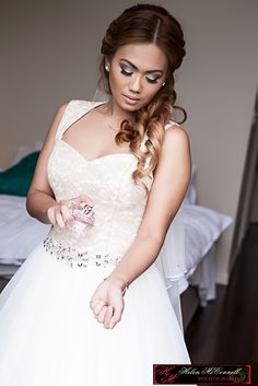 Bridal Makeup with a smokey eye, beautiful look! makeup by Monique Hanafin Brisbane and Photography Helen McConnel