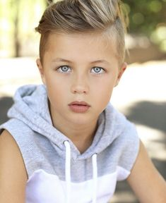 Cute Blonde Boys, Young Cute Boys, Boys Long Hairstyles, Blonde Hair Blue Eyes, Boy Models, Beautiful Girl Image, Hot Pants, Girls Image, Pretty Boys