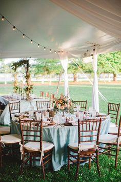 The Scout Guide Louisville: HEAD ON OVER TO SOUTHERNWEDDINGS WHERE YOU'LL FIND THESE SWOON-WORTHY IMAGES FROM A WEDDING AT OXMOOR FARM STYLED BY TSG'S LAUREN CHITWOOD. CONGRATULATIONS ON THE FEATURE, LAUREN! WE'RE DYING OVER THAT GORGEOUS COLOR PALETTE, BAMBOO CHAIRS, STRING BULB LIGHTS, AND RUSTIC-MEETS-POLISHED TABLE SETTINGS. LAUREN KNOWS HOW TO MAKE AN EVENT SPECIAL!