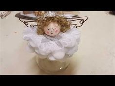 Befanine on little jar - tutorial by CraftOnLine Christmas Angels, Christmas Crafts, Christmas Decorations, Christmas Ornaments, Holiday Decor, Easy Youtube, Paper Butterflies, Dyi Crafts, Fairy Dolls