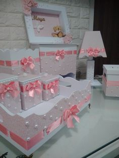 Diy Gifts Videos, Chocolate Bouquet Diy, Newborn Baby Tips, Kit Bebe, Jolie Lingerie, Baby Room Design, Baby Kit, Diy Bouquet, Crochet Flower Patterns