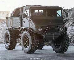 Beast on Wheels, Mercedes Uni Mog