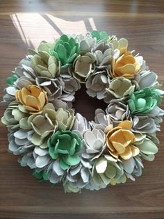 Egg carton wreath Succulents, Eggs, Wreaths, Plants, Door Wreaths, Succulent Plants, Egg, Deco Mesh Wreaths, Plant