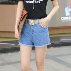 13.67$  Watch here - http://alidh1.shopchina.info/go.php?t=32804983243 - 2017 summer new casual fashion loose wide leg curl high waist denim shorts lady light blue flanging jeans short pants  #buychinaproducts