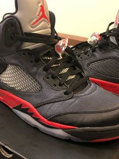 Rare Limited Edition Air Jordan Retro 5 Satin Bred Black University Red Sz  12 1e00dee2e